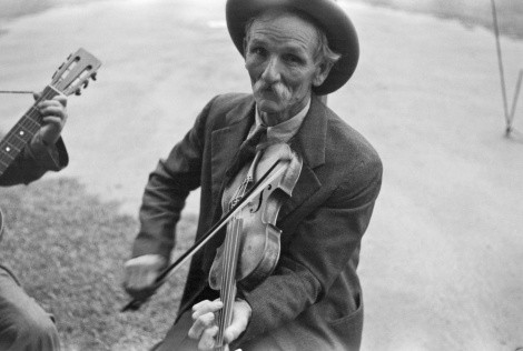 ben-shahn-fiddlin-bill-hensley-mountain-fiddler-asheville-north-carolina-1937
